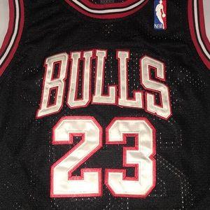 NBA - Bulls Jersey Jordan 23 - Size Boys M